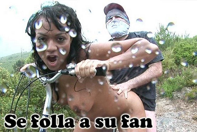 Dunia follando con un fan